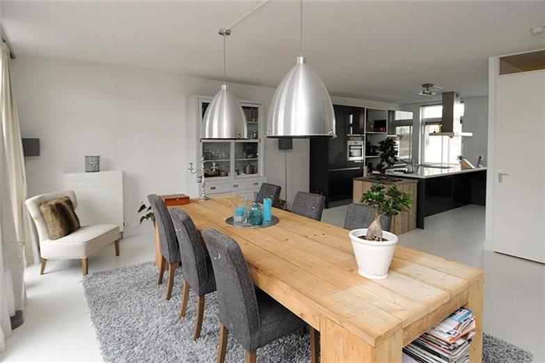 Landelijk Keuken Gietvloer : Een gietvloer in uw badkamer woonkamer en of keuken